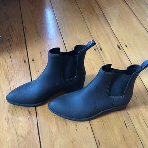 Jeffrey Campbell Black Chelsea rain boots sz 10